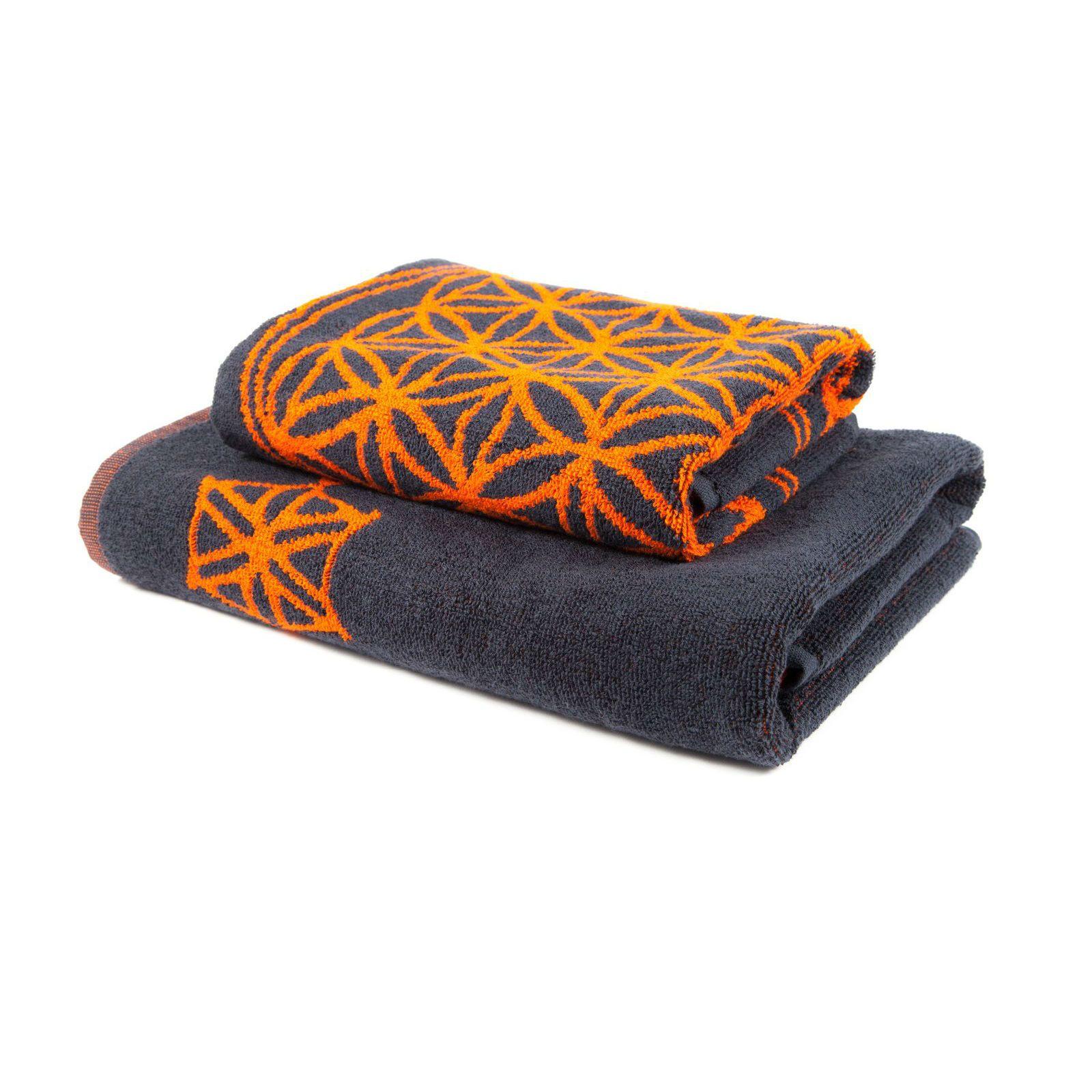 Bath Towels More Perfect Gift For Your Loved Ones By Mandalalifeartshop Orange Bathroom Accessories Towel Set Orange Bathrooms