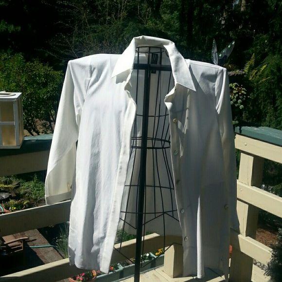 Blouse Off white Mlarla Wynne blouse Jacket look side pocket w/bottom trim pleated back NWOT Marla Wynne Tops Blouses