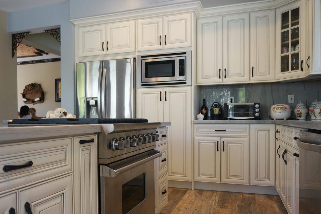 Best 19 Antique White Kitchen Cabinets Ideas With Picture Best 400 x 300