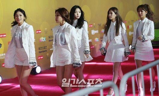 9 Best Dressed K Pop Idols From The 29th Golden Disk Awards Fashion Inspiration Design Nice Dresses Dresses
