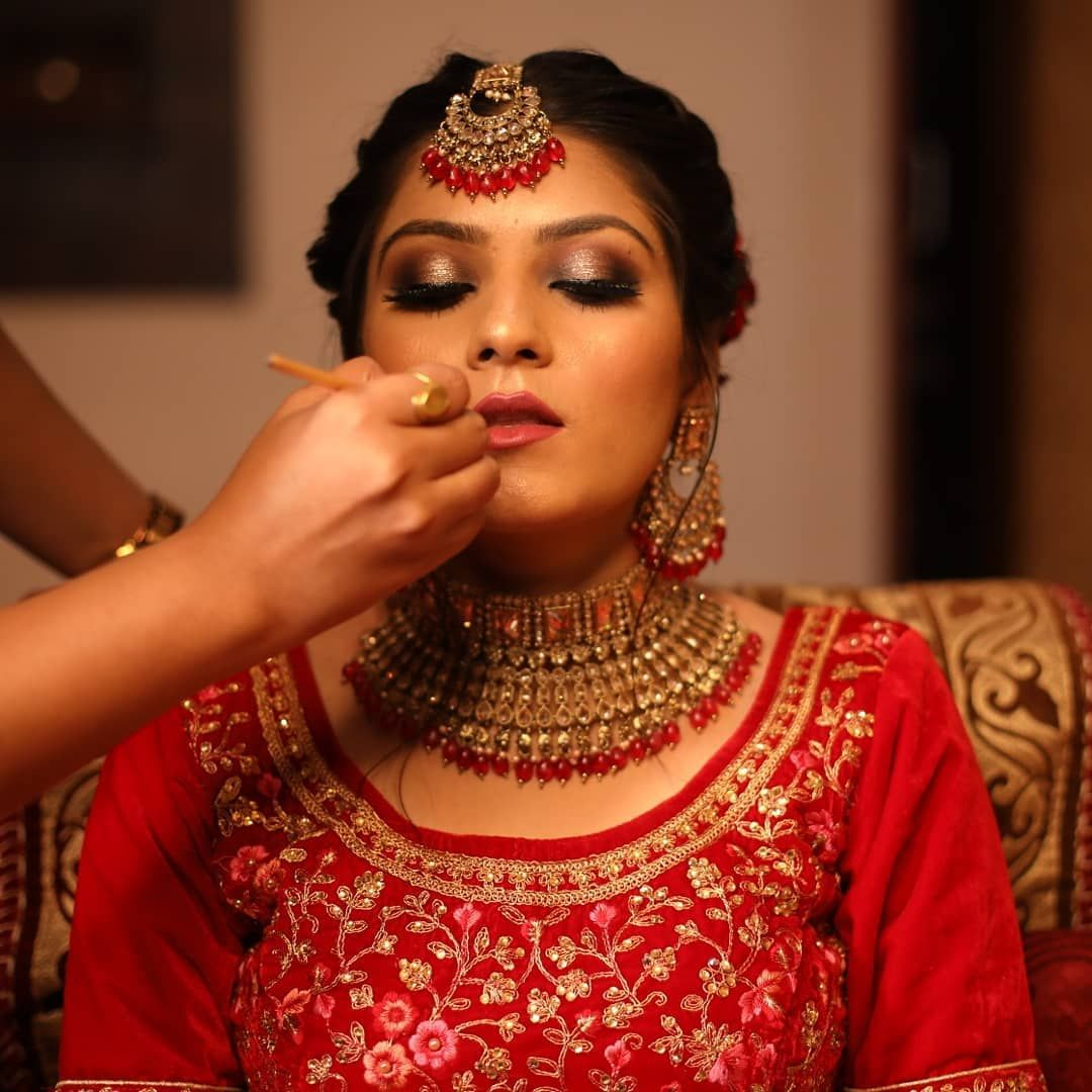 Products used in Airbrush bridal makeup in 2020 Hd