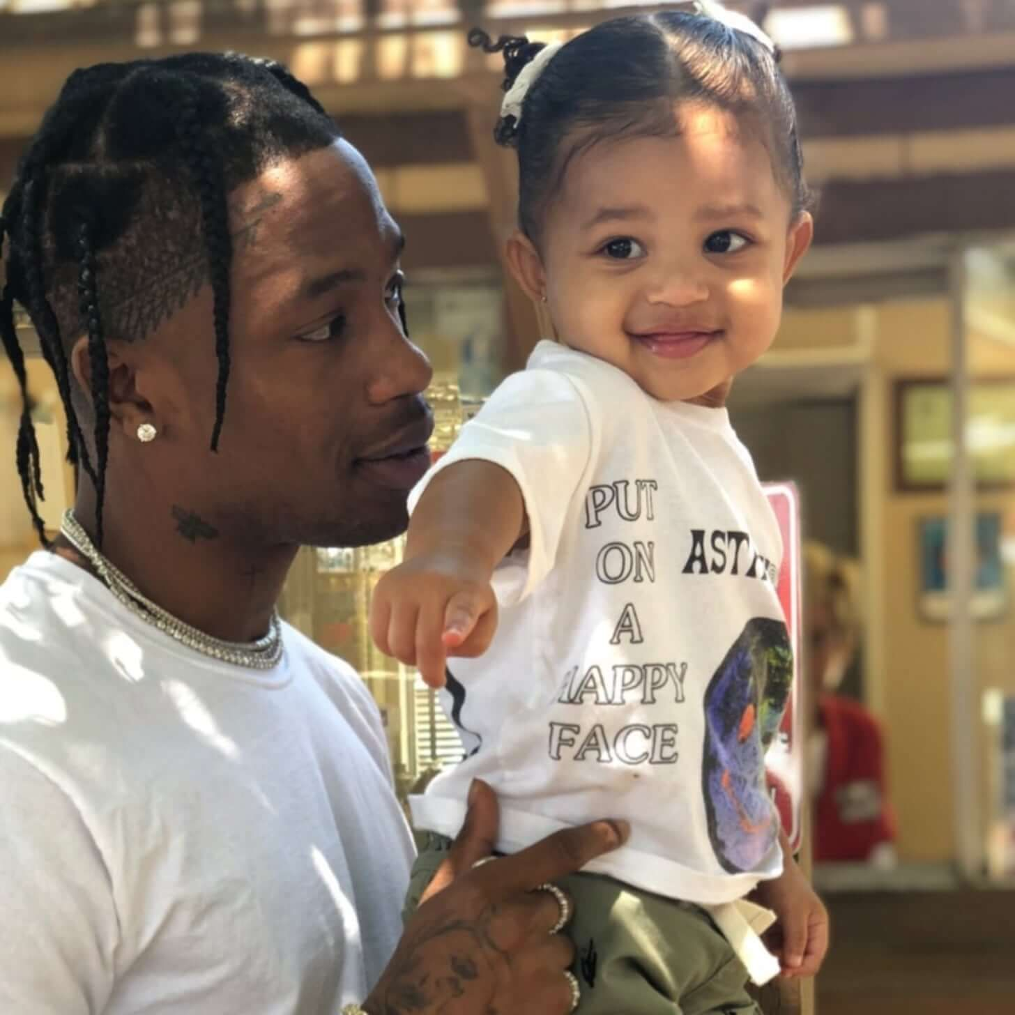 Stormi Webster 2 Swims With Her Father Travis Scott In 2020 Travis Scott Kylie Jenner Kylie Jenner Latest Kylie Jenner S