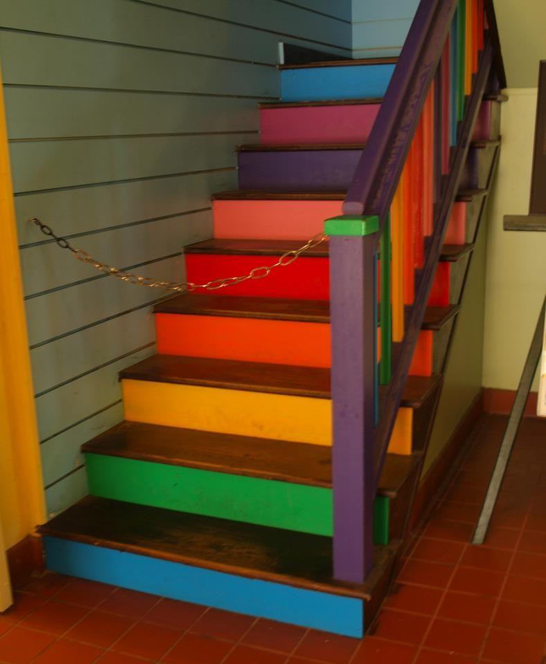 Foto de The Saxophreni Escaleras pintadas, Diseño de