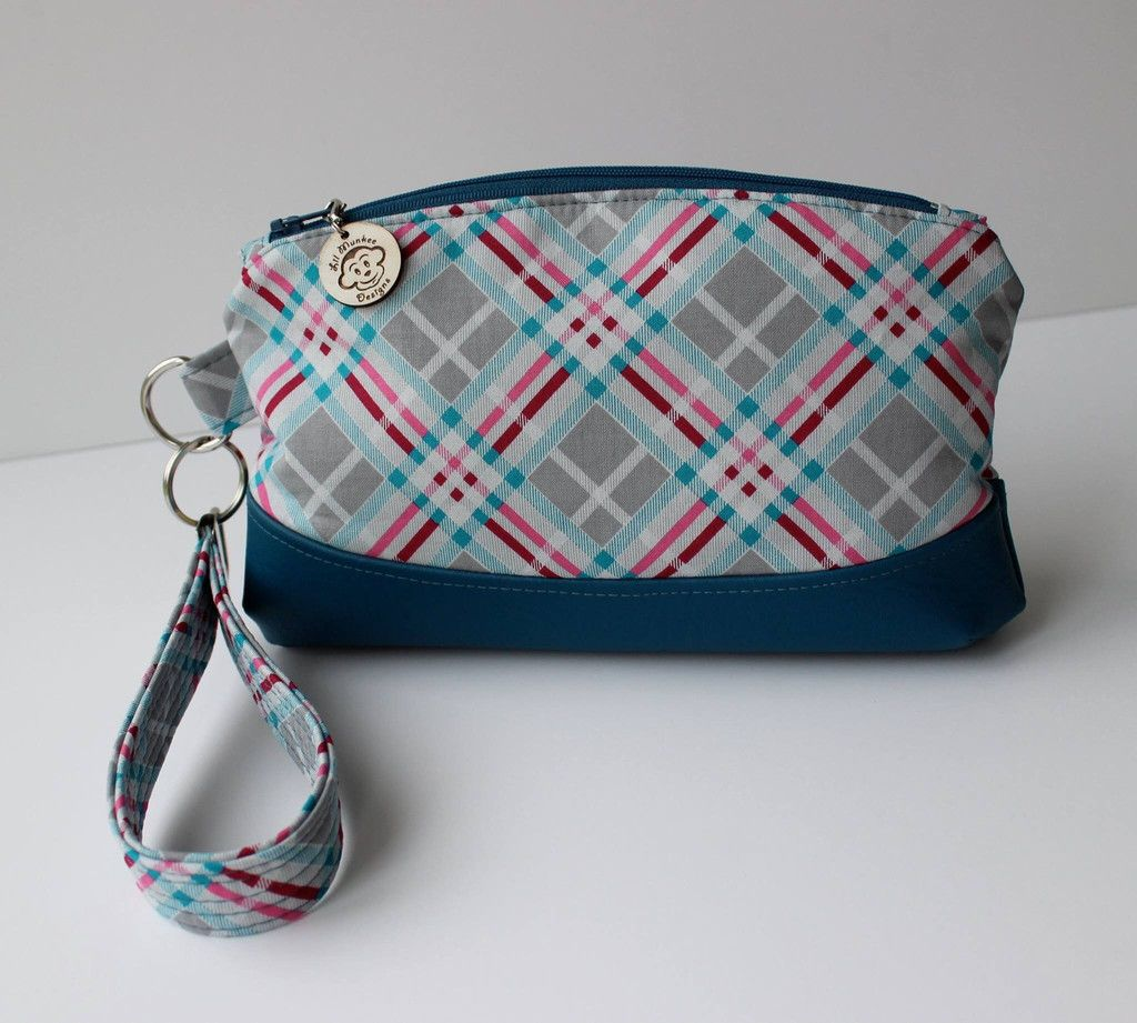 FREE The Clematis Wristlet - PDF Sewing Pattern | Bags | Pinterest ...