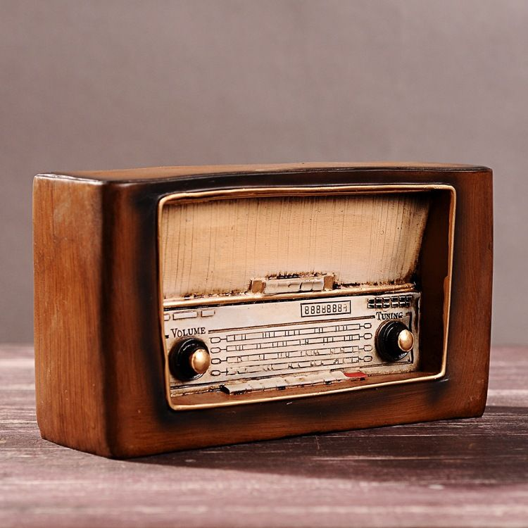 Beautiful Zakka Home Decoration Accessories Ornaments Craft Retro Vintage Home Decor  Nostalgic Radio Resin Model 21.5*