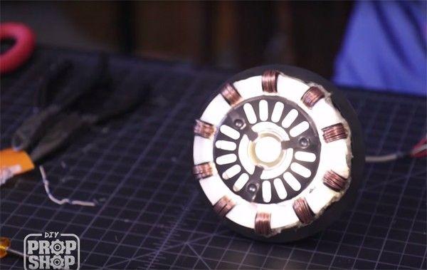 Make An Iron Man Arc Reactor Prop For Around 30 DIY Geeky