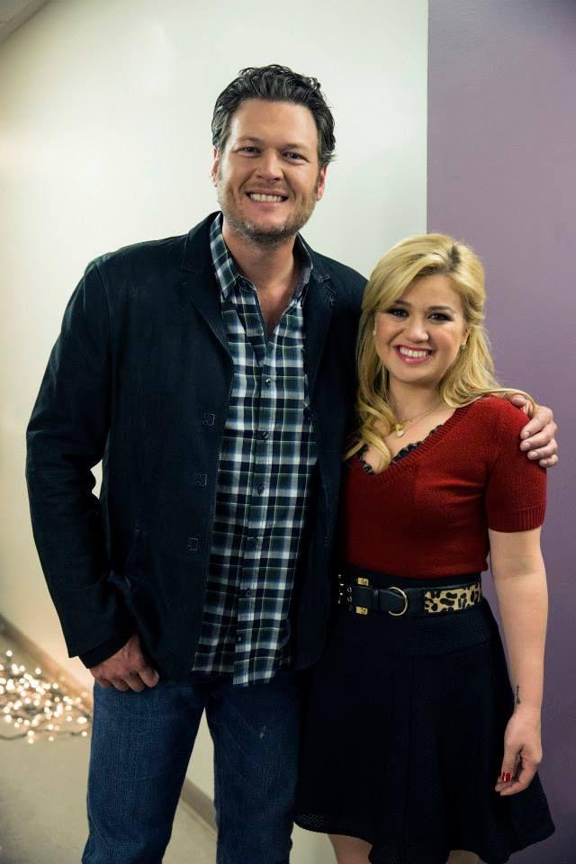 Kelly Clarkson\'s Cautionary Christmas Music Tale | CHRISTMAS MUSIC ...