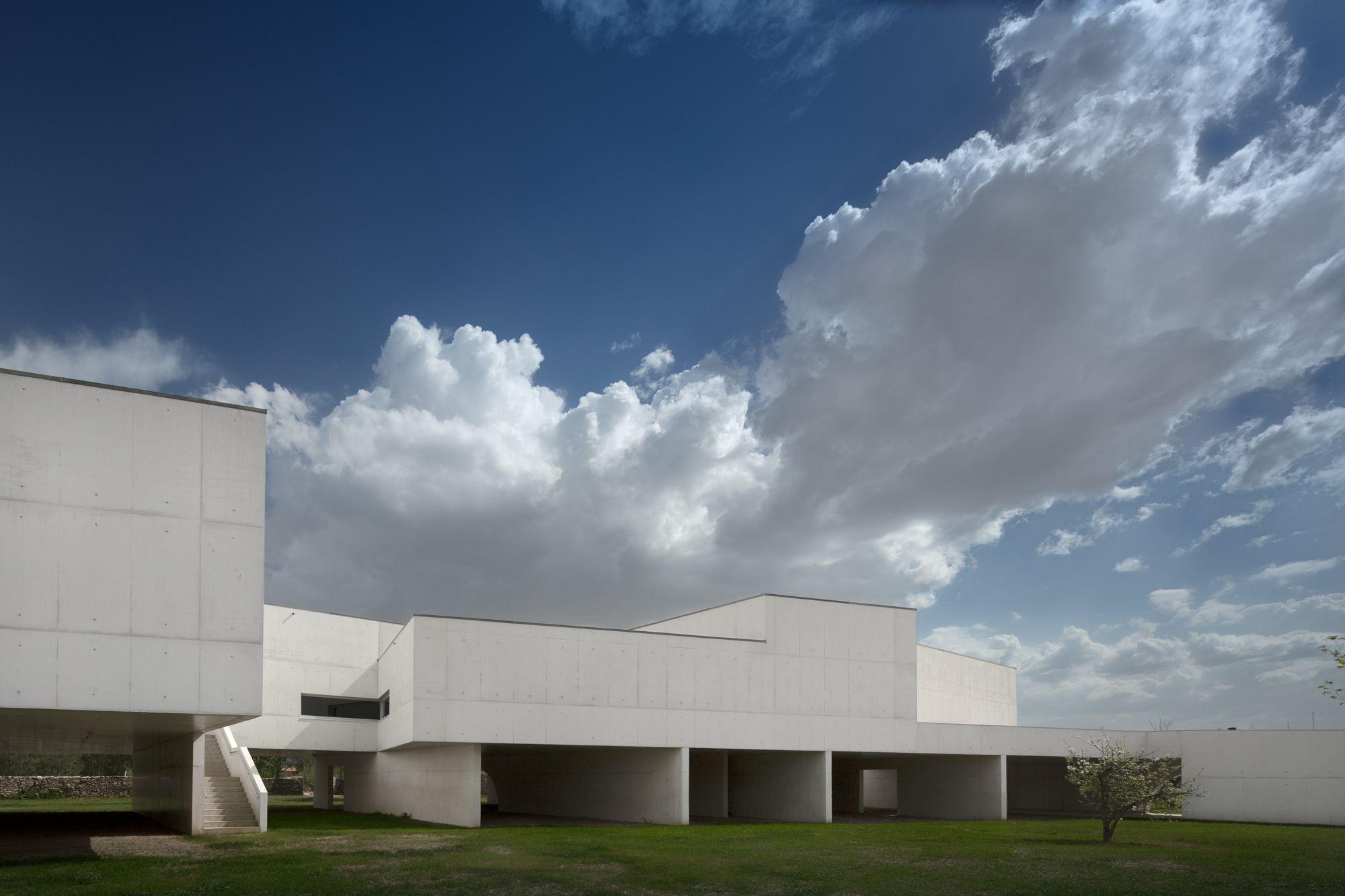 Galería de Álvaro Siza inaugura en Portugal el museo de Arte Contemporáneo Nadir Afonso – 64