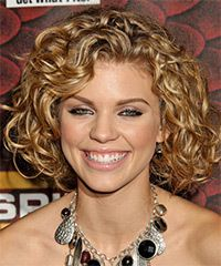 Annalynne Mccord Medium Curly Hairstyle Haircuts For Curly
