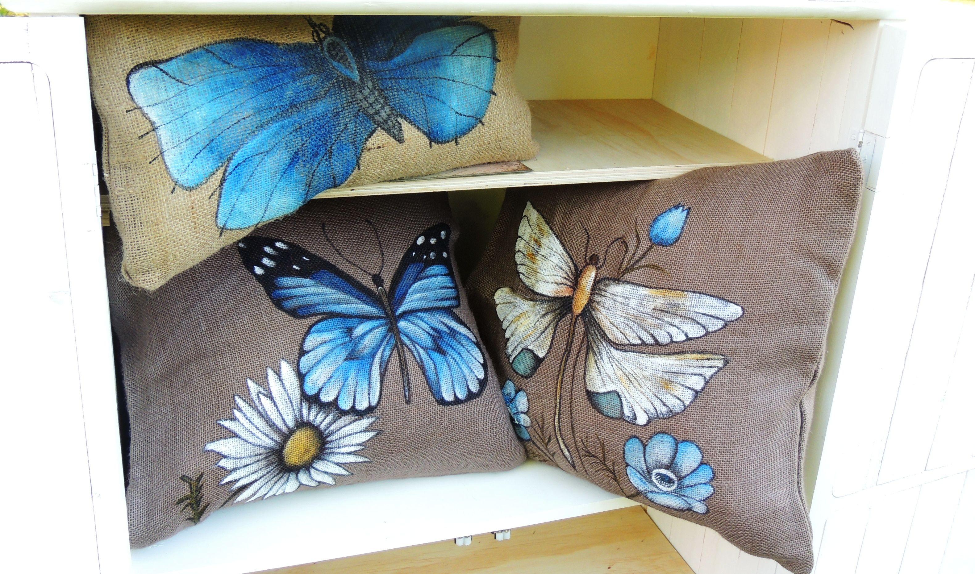 Coj n pintado a mano cojines xime cojines cojines - Muebles decorados a mano ...