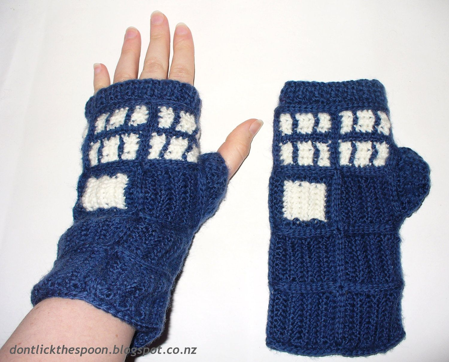 Pattern For T.A.R.D.I.S.  Inspired Fingerless by DontLickTheSpoon, $4.00. I want theses!