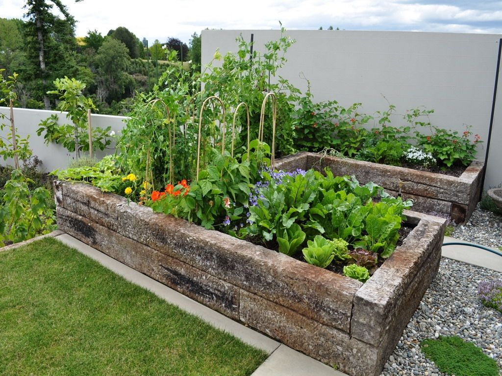 Charmant Home Vegetable Garden New England · Small ...