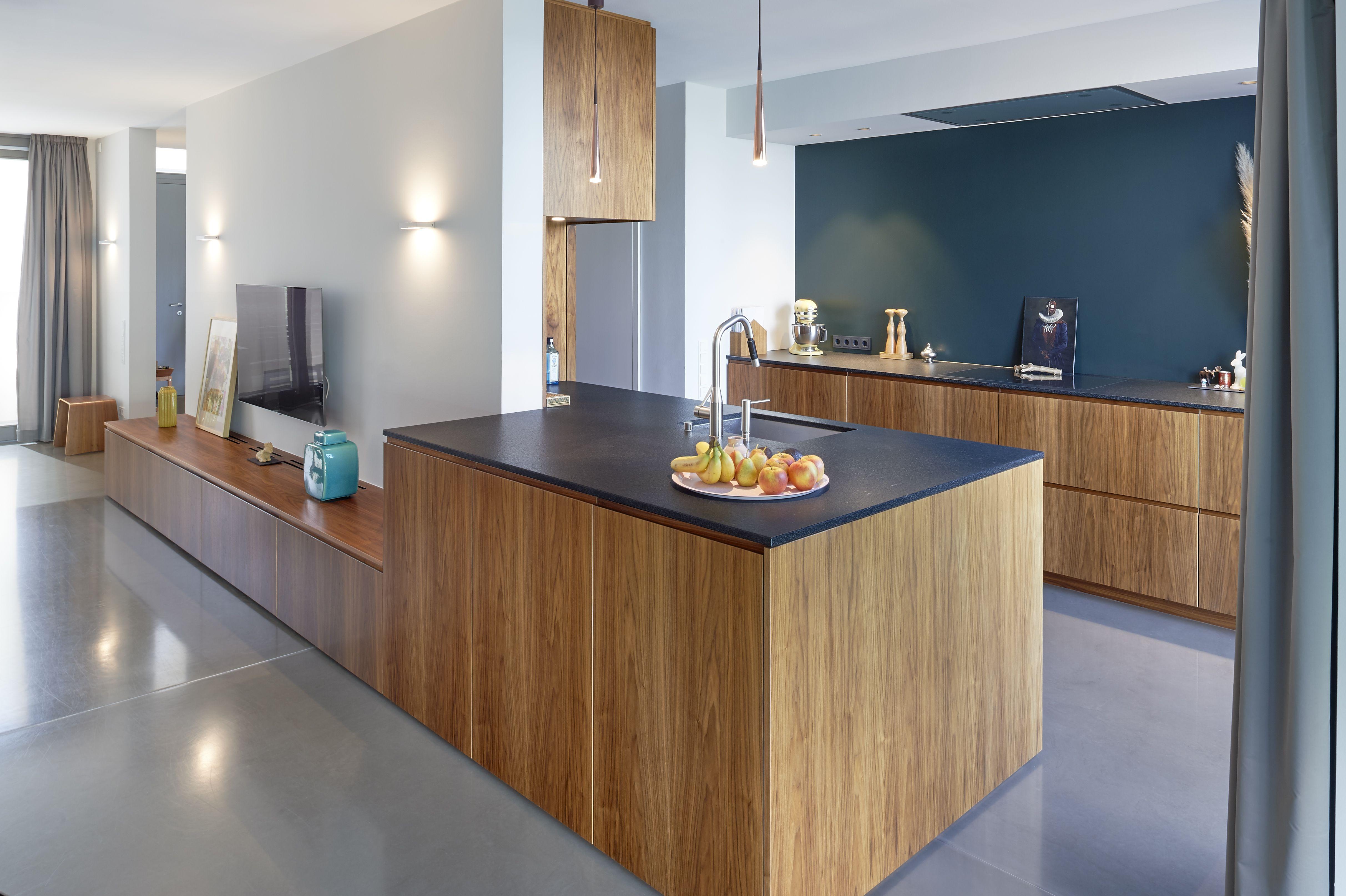 Perfekte Symbiose Von Kuche Und Wohnzimmer Wenn Kuche Und Wohnraum Nicht Voneinander Abgetrennt Sind Gi Kuche Und Wohnzimmer Moderne Kuche Wohnzimmer Modern
