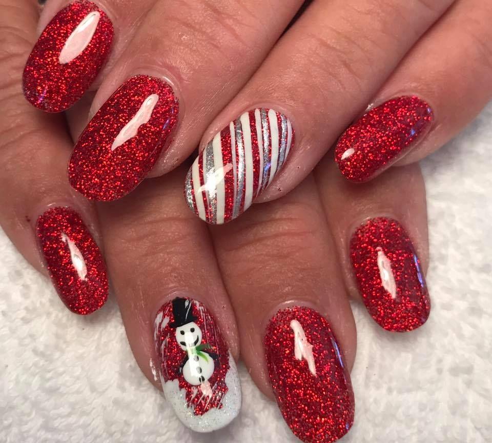 Glittery Christmas Nail Art