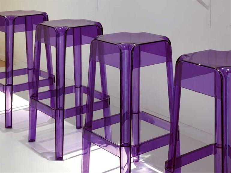 Purple stackable polycarbonate stool rubik by pedrali design