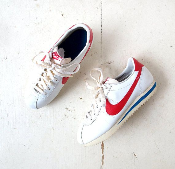 competitive price b11a5 13d7f 1982 womens Nike Leather Cortez sneakers