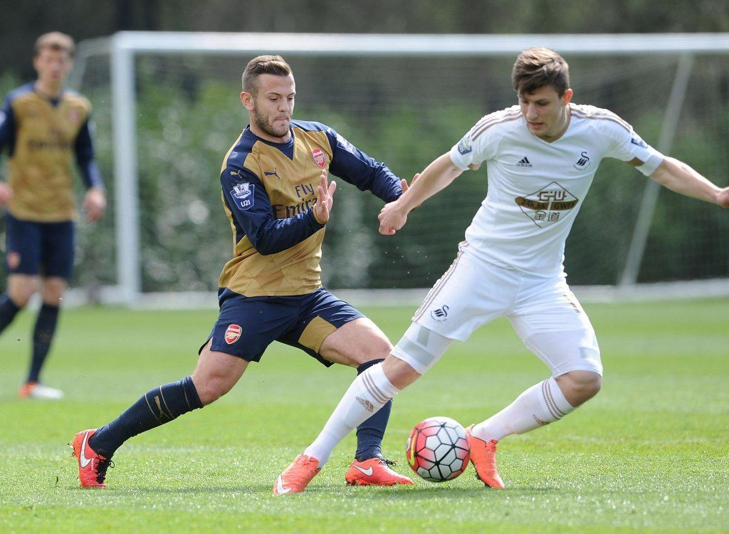 Jack Wilshere was back in action for the second time this week with the Arsenal U21s against Swansea U21s.  #JackWilshere #Arsenal #JackisBack #ArsenalU21