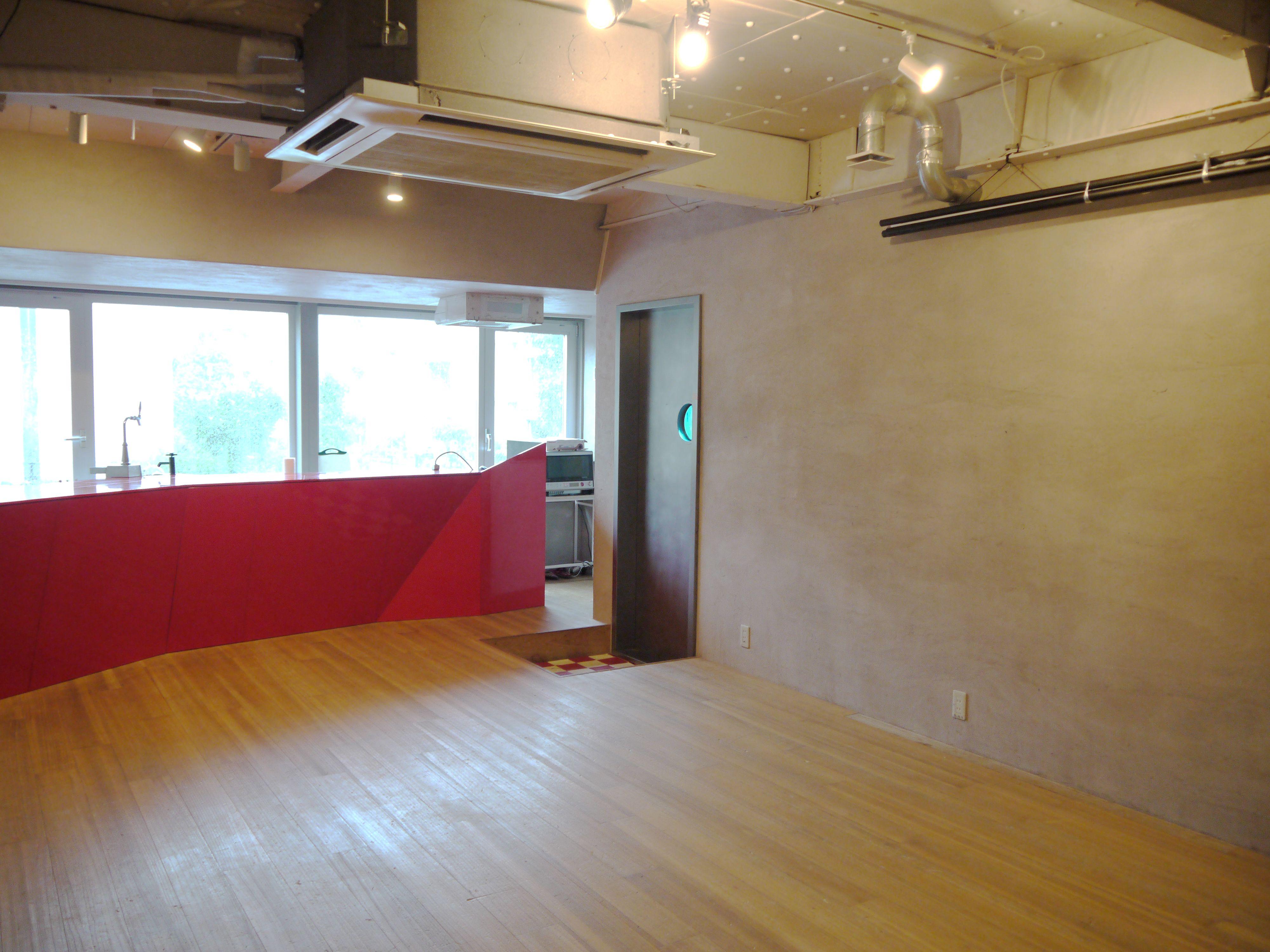 NEURO CAFE TOKYOスペース内 htt...