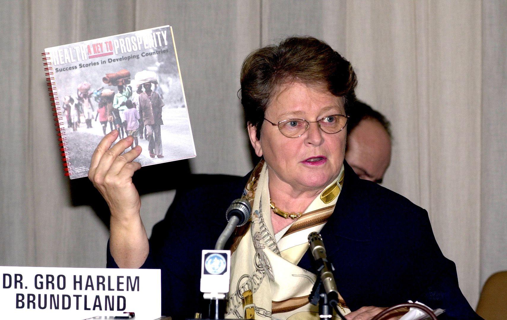 """1987- Se publica el Informe Brundtland que define el Desarrollo Sostenible como """"Satisfacer las necesidades del presente sin comprometer los recursos de las generaciones futuras"""""""