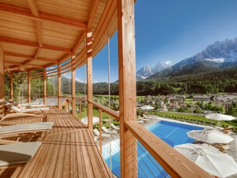 Das 4-Sterne-Superior Hotel Leitlhof in Innichen, Südtirol bietet traumhafte Bedingungen für Ihren Urlaub im Hochpustertal in den Dolomiten.