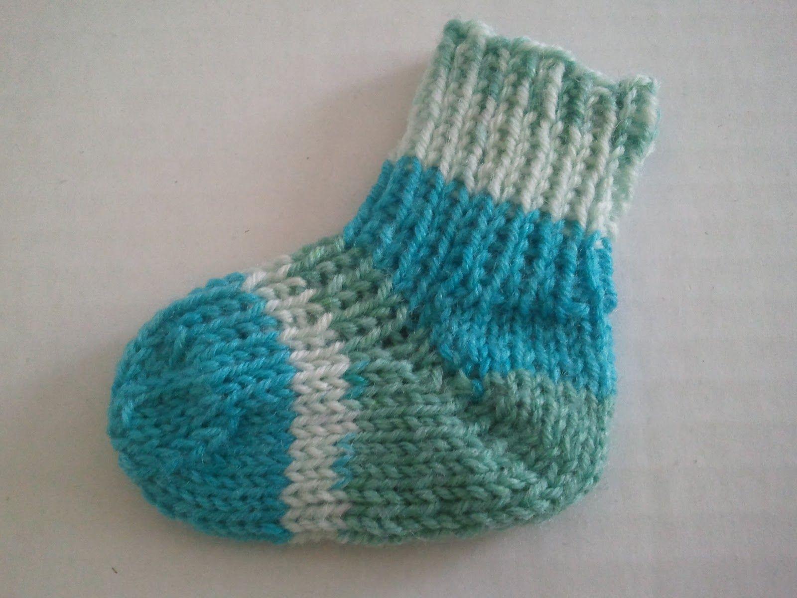 Photo of Hier finden sich ein paar Anleitungen: Bitte nur Sockenwolle verwenden! Mütze i…