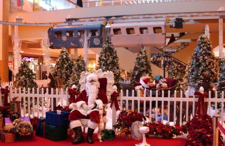 Christmas Monorail And Santa At Midtown Plaza. - Rochester ...