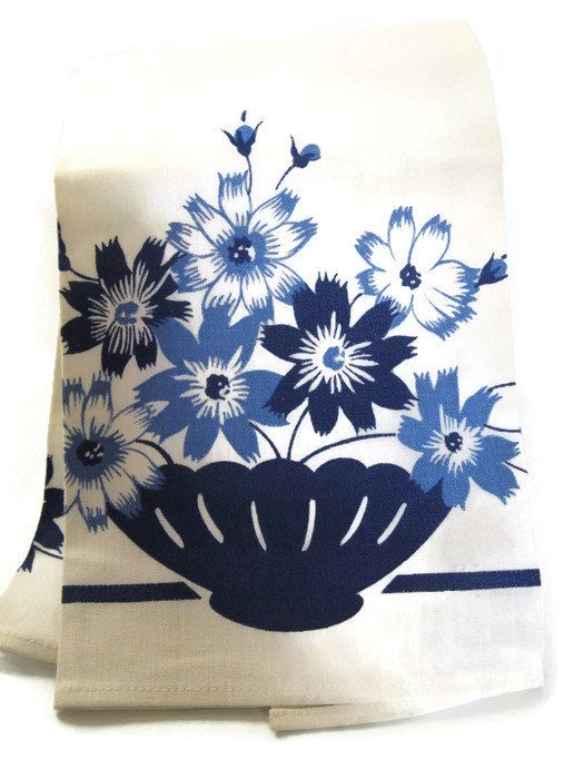 gift under 25 / 1938 tea towel with original label Martex blue floral design