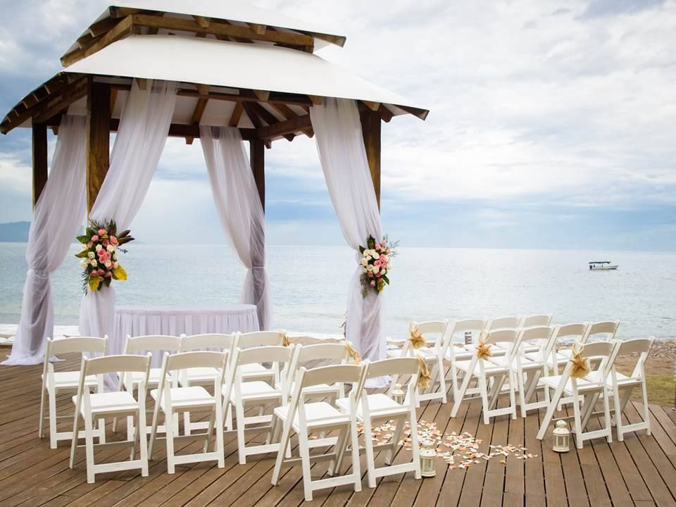 An Intimate Destination Wedding Overlooking The Ocean At Secrets Vallarta Bay Puerto