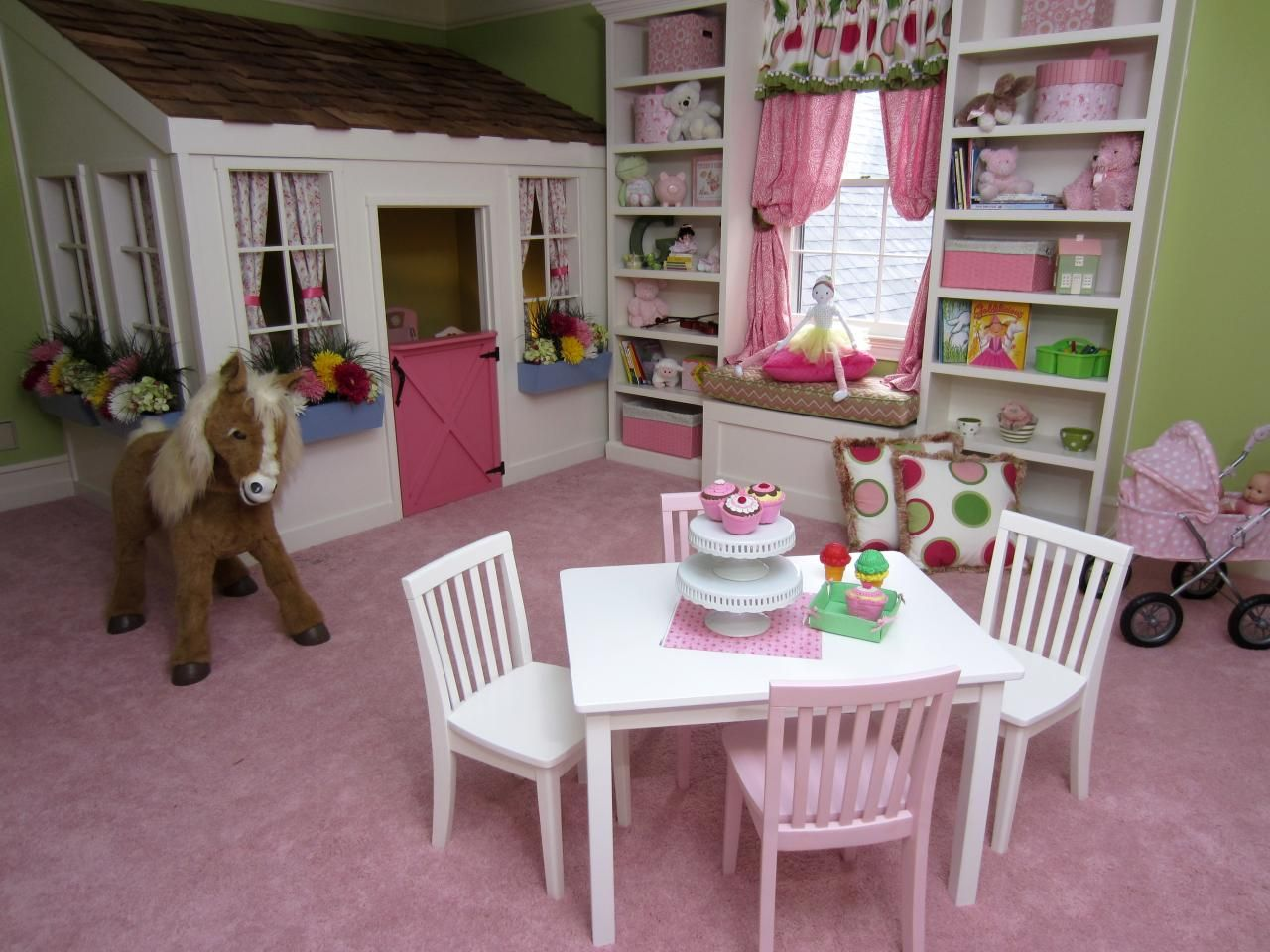 Decorating Ideas for Fun Playrooms and Kids' Bedrooms   Playrooms ...