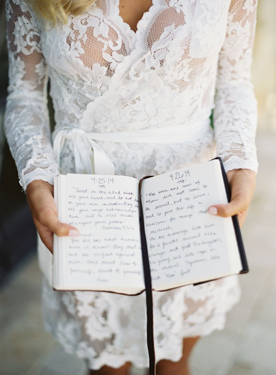 She Wrote A Letter To Her Groom Every Day For A Year Wedding