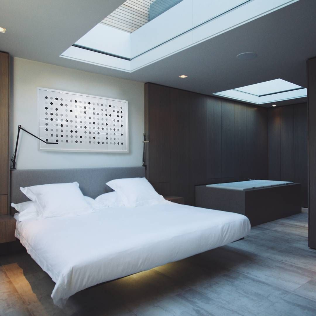 Hovering bed Would stay in this hotel