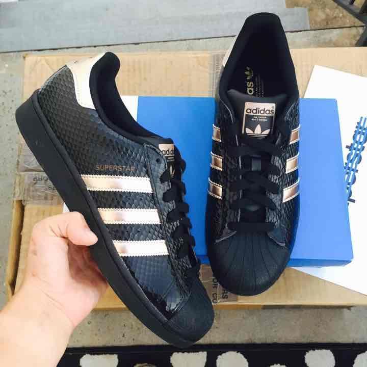 adidas superstar scarpe da donna sz 10 nuovi mercari scarpe pinterest