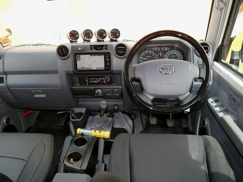 ランクル70再版復刻版 76バン 最新パーツ多数のカスタムデモカー 2021 ランクル 70 カー ガナドール