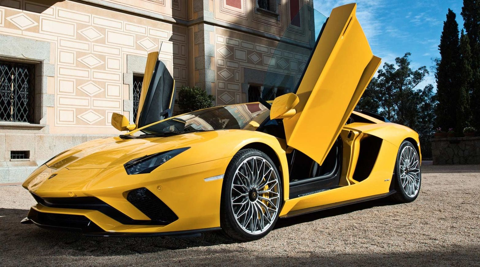 2018 Lamborghini Aventador S Is The First Supercar To Support Android Auto Super Sport Cars Sports Car Lamborghini Aventador