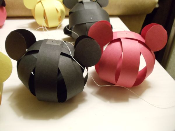 Mickey Mouse Birthday party; or a fool-proof toddler party. #mousecrafts