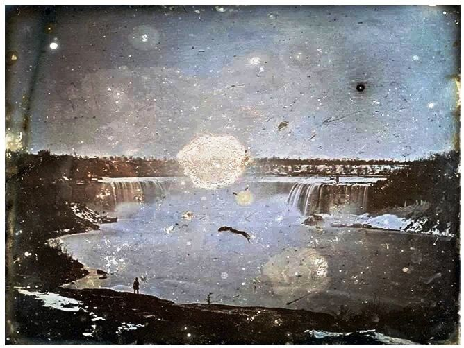 This is the oldest known photograph of Niagara Falls , taken in 1840 (when Canada was not a country) by a British businessman Hugh Lee Pattinson on a trip to Canada. This photograph was discovered in 1997 at Newcastle University in England , where it was given by Pattinson's family.The image is 'daguerreotype', an early form of photography that required a long exposure time .This picture took 10 minutes to capture.