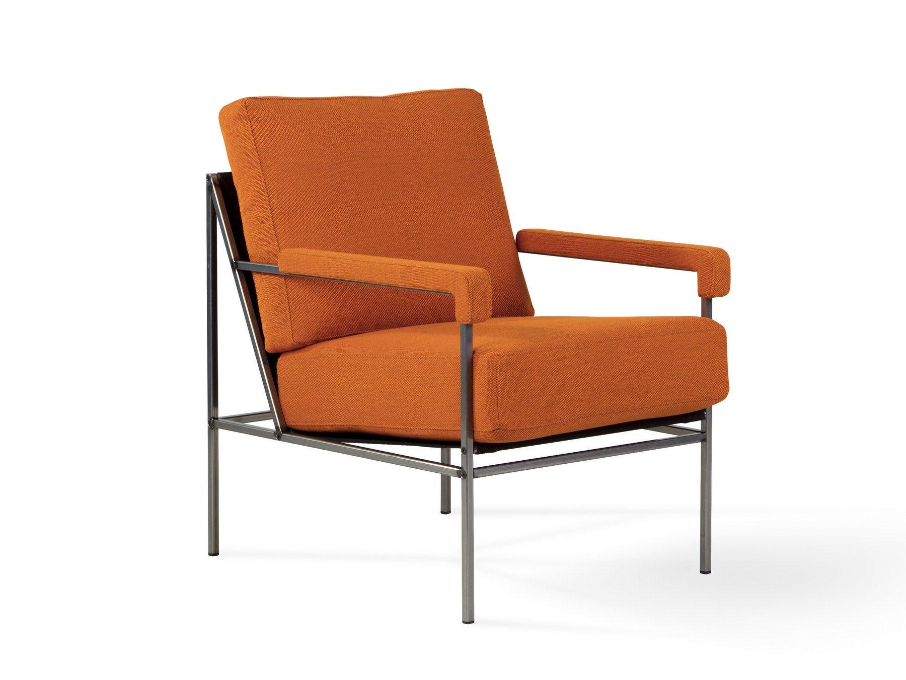 Fauteuil rembourré en tissu avec accoudoirs SEVENTY FIVE by Ihreborn design Jonas Ihreborn