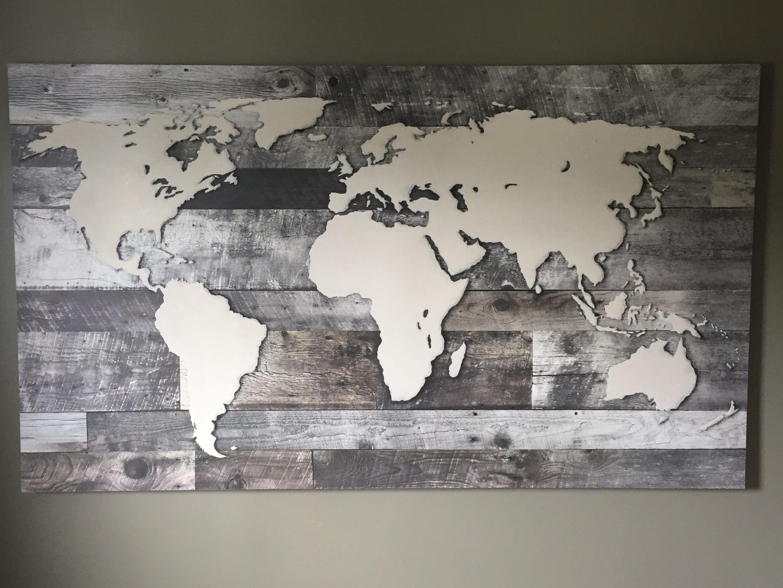 carte du monde bois Carte du monde sur murale imitation bois de grange. Peinture d