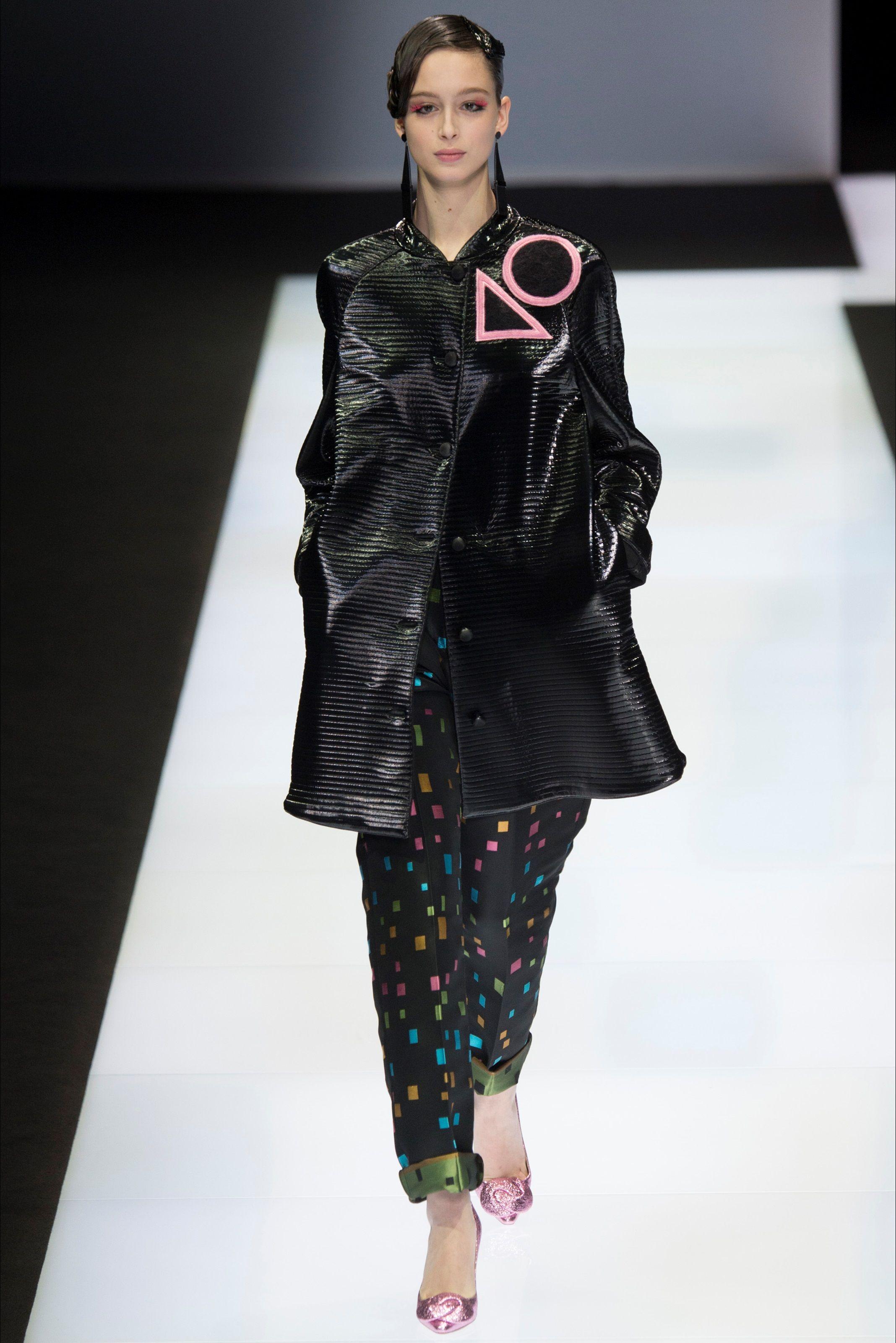 2ba0c79a2988 Emporio Armani Fall 2016 Ready-to-Wear Collection - Vogue Fall Fashion 2016