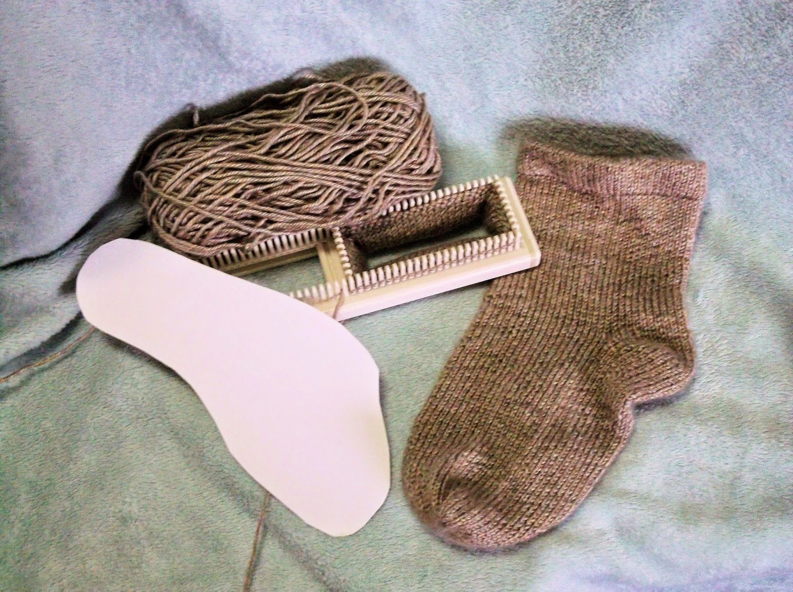 The Loom Muse : How to Loom Knit a Basic Sock to Fit Anyone YouTube ...