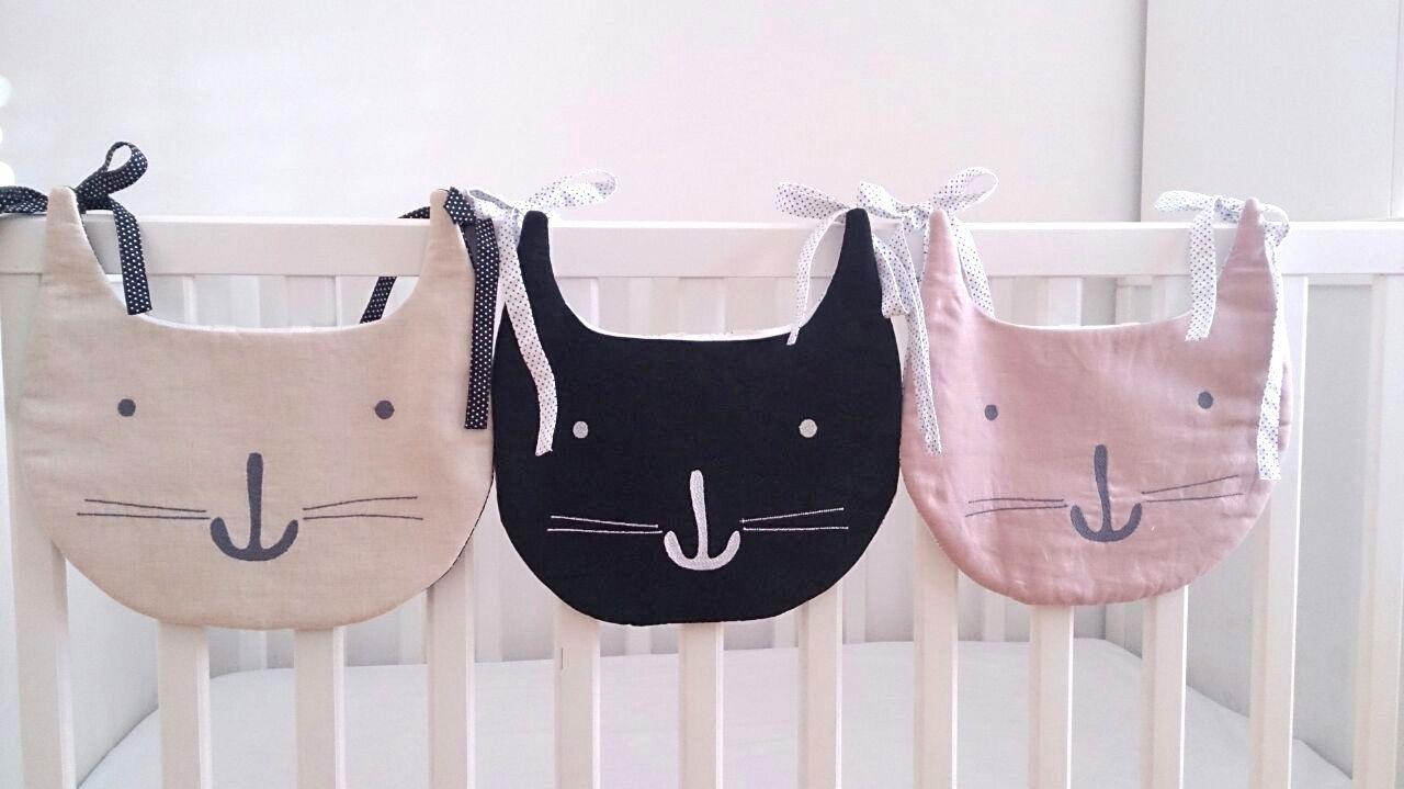 Bolsas guarda pijama, peluches, cuentos..by #petittandem.com para colgar en cuna, cama, silla