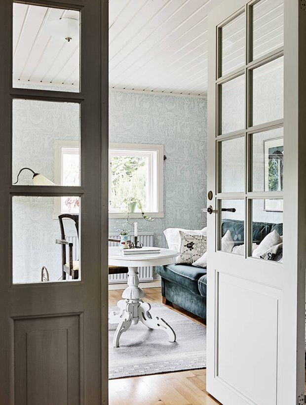 what does a villa cost in the swedish countryside boiseries meubles urban apartment. Black Bedroom Furniture Sets. Home Design Ideas