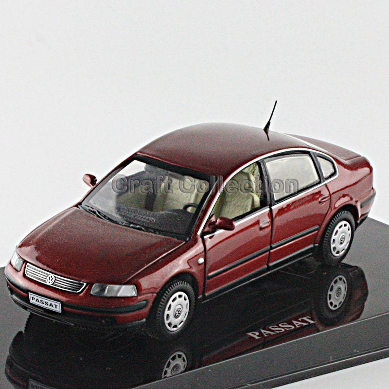 Red 1:43 Volkswagen German VW PASSAT B5 Die Cast Model Car