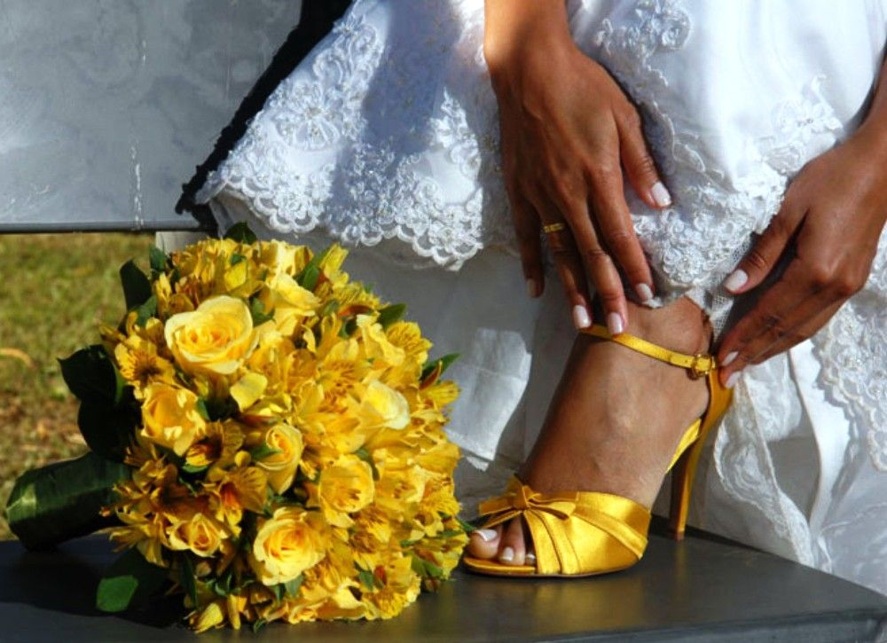 4835bf785 sapatos-de-noiva-buque-combinando   buquet   Sapatos de noiva ...