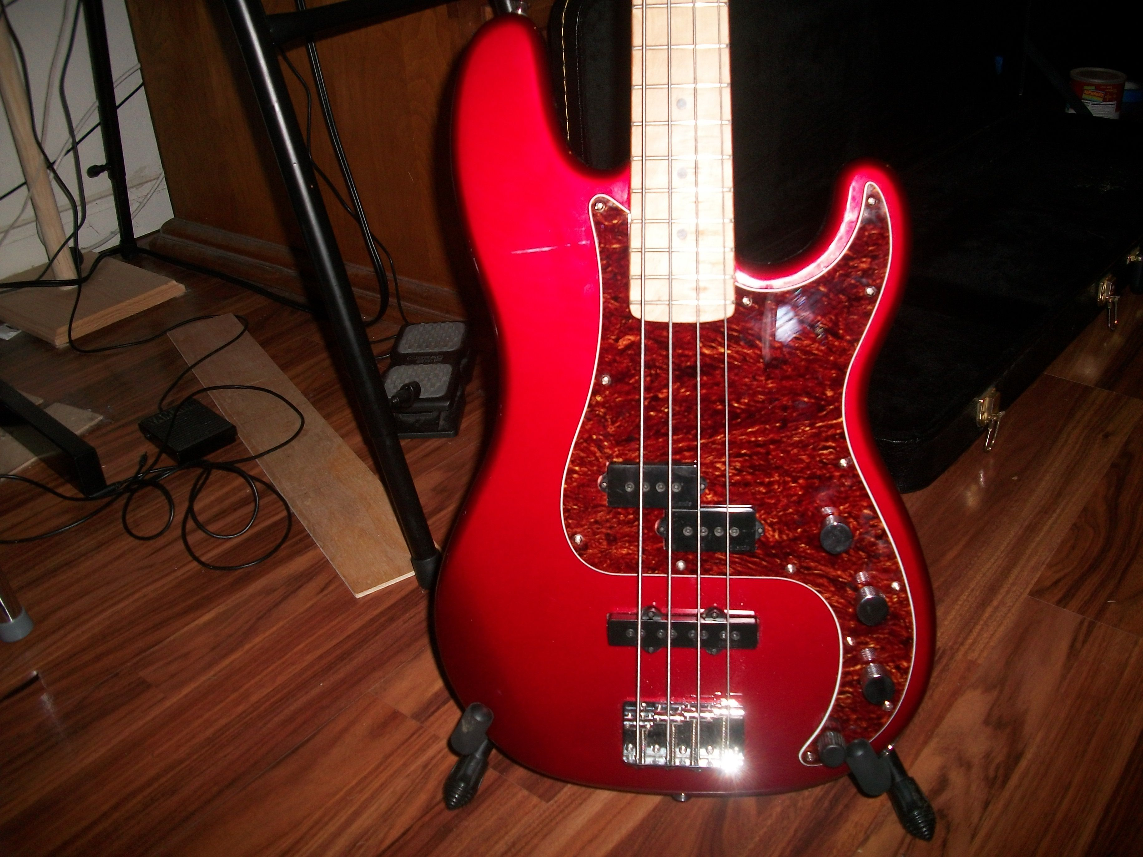 my frankenbass squier pj body jazz replacement neck dimarzio pickups a sixties style. Black Bedroom Furniture Sets. Home Design Ideas