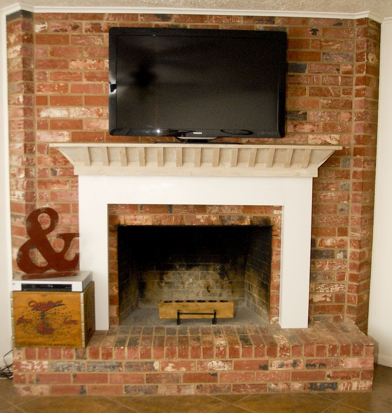 Tv On A Brick Fireplace A Whitewashed Mantle Makeover Brick