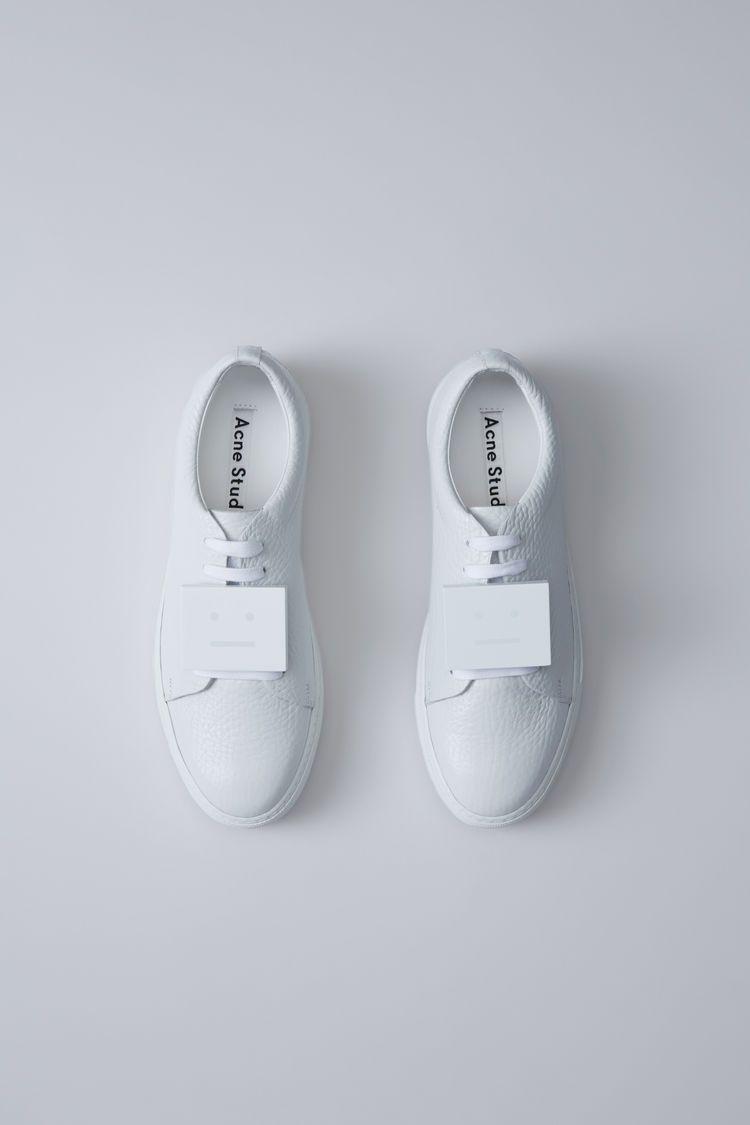 Adriana Grain, White, 1500x 001