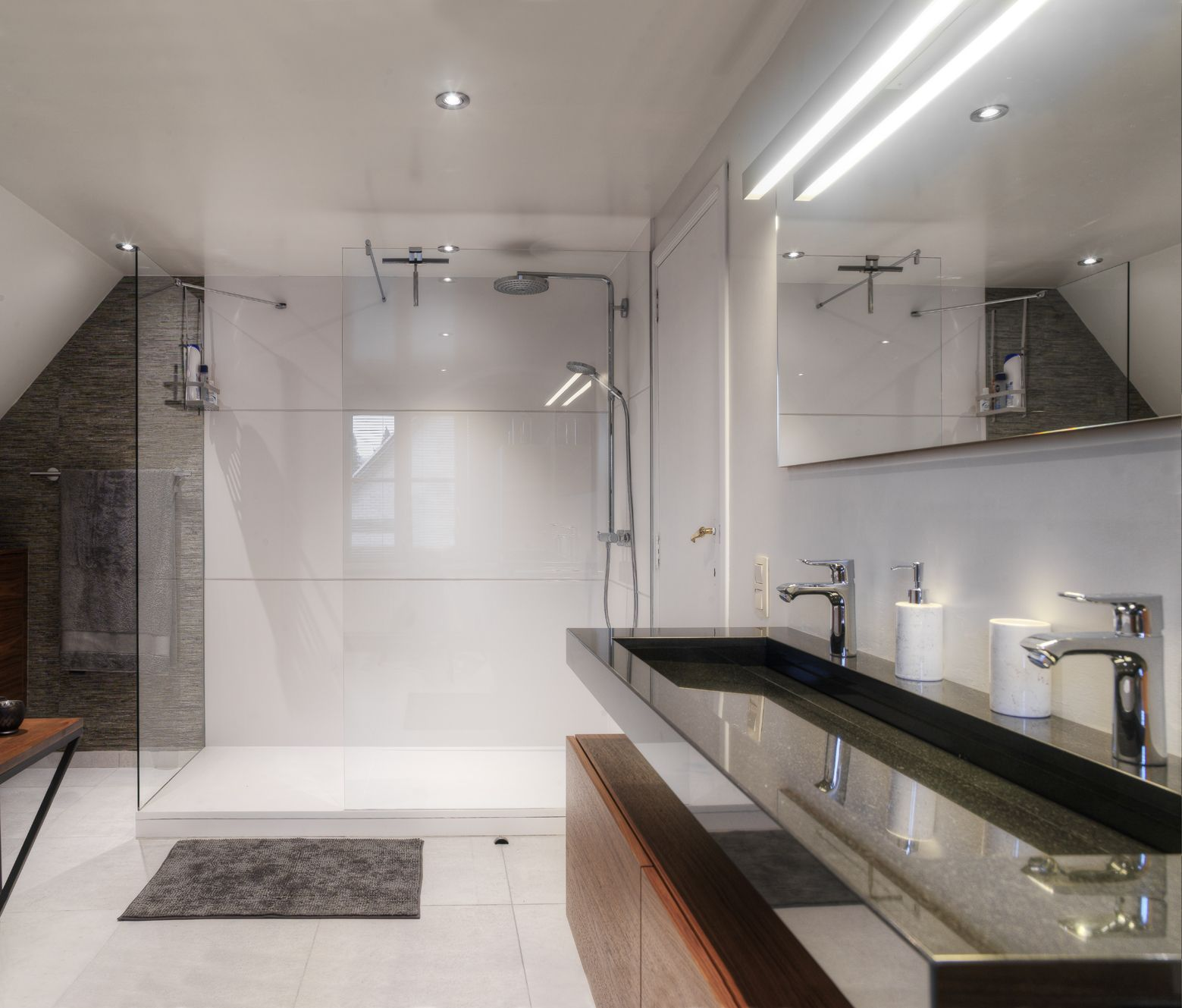 White Walk In Shower Wall Panels And Shower Tray In Solid