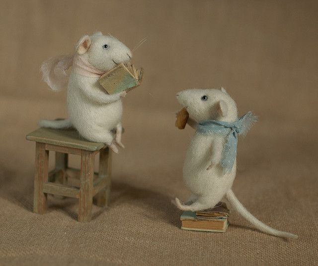Needle felted mice by Natasha Fadeeva