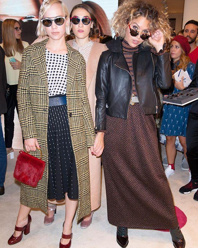Amazing @callmemargot @miamoretti and @cleowade showing their sunglasses #THEPINKOINVASION #mfw #SS16 @italiaindependentofficial @es_pr_communication #ES_PR
